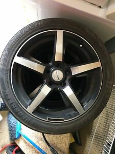 "17"" rims with 225 45 17 Michelin run flat tires"