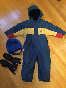Boys winter gear size 3