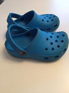 Toddler size 8/9 crocs