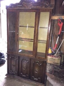 China cabinet plugs in and lights up