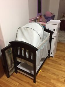 *delivery available* Gender Neutral Wooden Bassinet