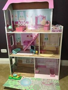 Dolls House Timber Good Condition Girls Banora Point Tweed Heads Area Preview