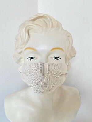 Schutzmaske - Mundschutz - wiederverwendbar - sandfarben - hinter dem Kopf