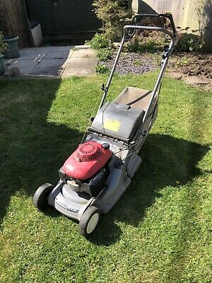 Honda HRB 476c Self Propelled Lawn Mower.