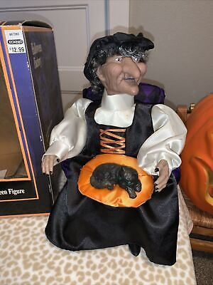 Vintage Animated Witch Petting Her Cat Gemmy Industries Halloween Decoration