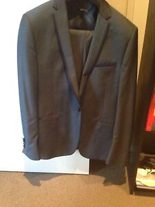 Politix Suit for sale Woolooware Sutherland Area Preview