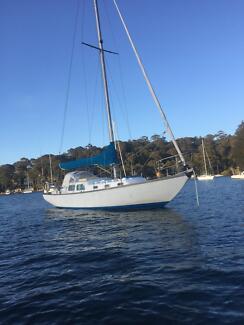 Nicholson 32 Yacht
