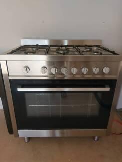 Technika 900mm Freestanding Oven