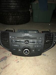 2008-2014 Acura TSX radio (BEST OFFER TAKES IT)