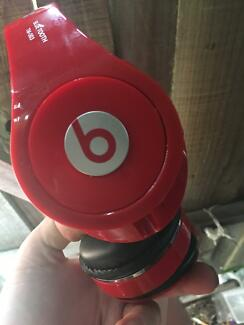 Beats Solo Wireless Candy Red Bluetooth Headphone with Gift