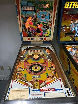 GOTTLIEB CLASSIC WEDGEHEAD FUNLAND  PINBALL MACHINE 1968
