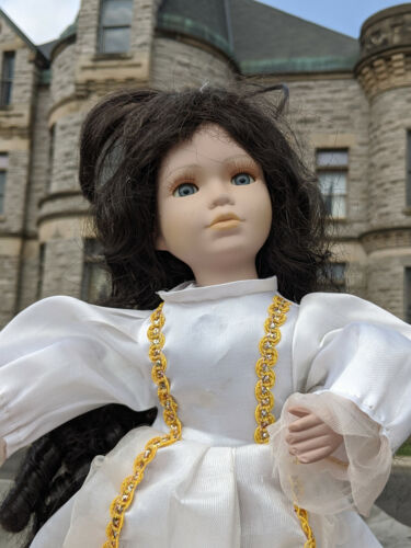"""The Spirit Of Lisa 16""""in. - Haunted Porcelain Doll"""