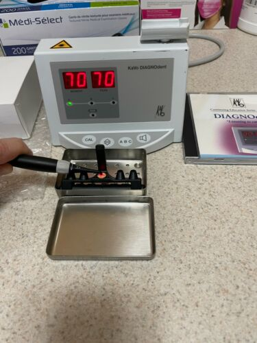 Kavo Diagnodent + A Tip, Charger, NEW Battery, Dental, Laser, Caries Detector