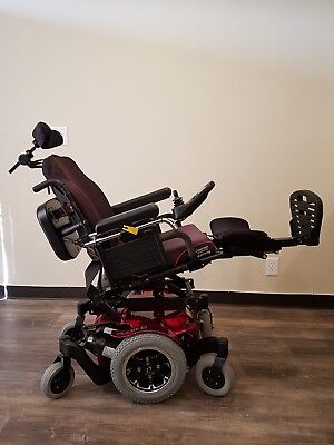 QUICKIE PULSE 6 ELECTRIC WHEELCHAIR, POWER TILT AND POWER LEG 25 MILES