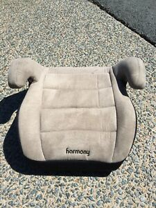 Harmony booster seat