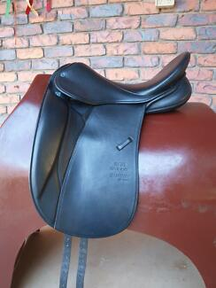 Stubben Maestoso Deluxe Dressage Saddle Gympie Gympie Area Preview