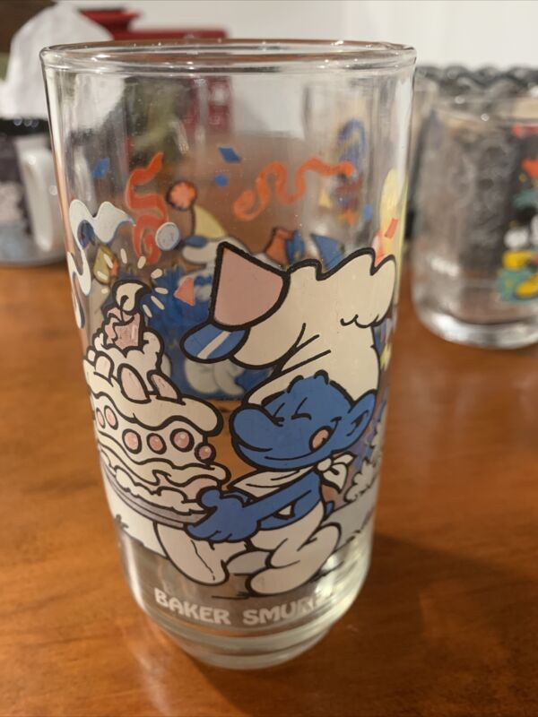 Vintage 1983 Baker Smurf Drinking Glass Wallace Bertie Co The Smurfs