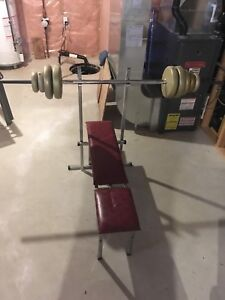 Bench press with lots of plates