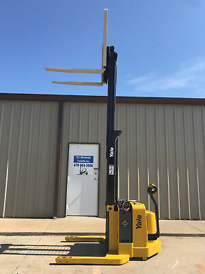 2006 Yale Walkie Stacker - Walk Behind Forklift - Straddle Lift Only 2078 Hours