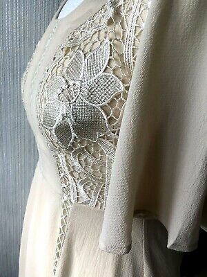 KISS THE SKY DRESS beige A line dress Half lined size small 8/10