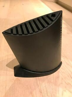Global knife block in Excellent Conditon