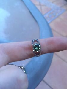 1.33ct green Vs1 moissanite w/ black diamonds on side Cleveland Redland Area Preview