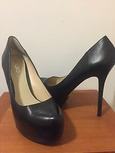Leather Aldo shoes-size 8