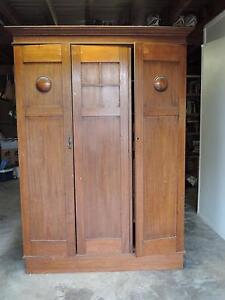 Antique armoire Birkdale Redland Area Preview