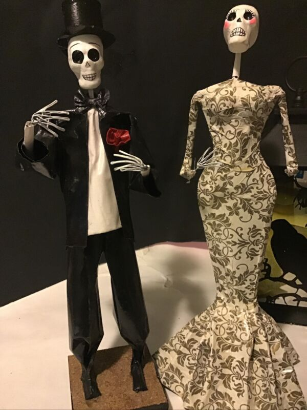 "2 Hecho En Skeletons Paper Mache Bride & Groom dolls halloween 15""T Mexico"