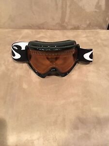 Oakley snowboarding/skiing goggles