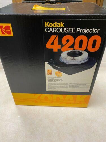 Kodak Carousel 4200 Slide Projector With Tray & Lens