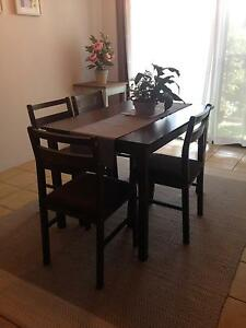 Dining Table and chairs x 4 Indooroopilly Brisbane South West Preview