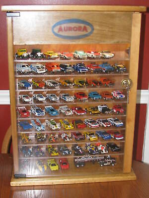 Aurora HO cars Display case with lock and LED light