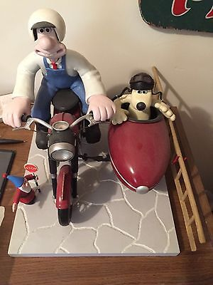 Wallace and Gromit Sidecar Statue