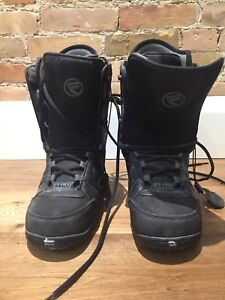 Men's snowboard boots size 8