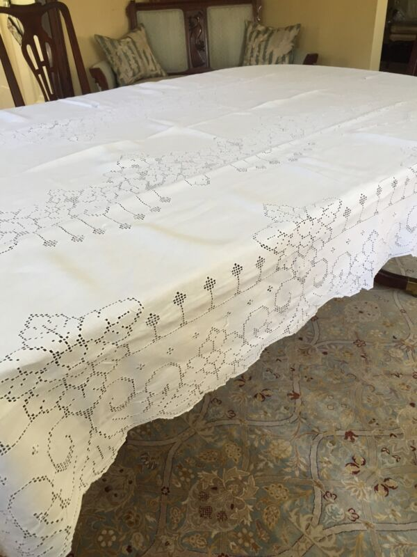 """Vintage Linen Hand Made Mosaic Lace Banquet Tablecloth White Floral 102"""" X 64"""""""