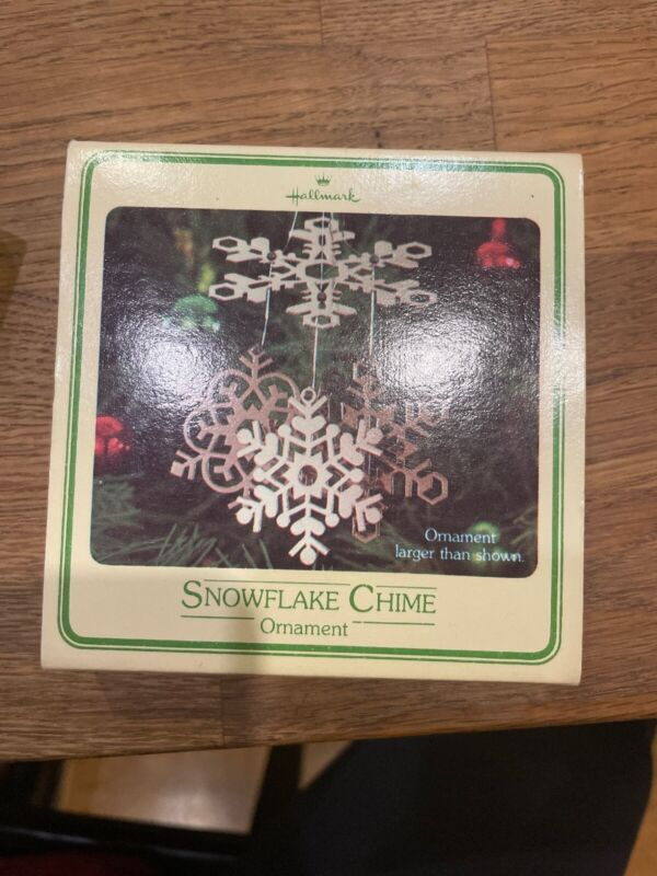 1980 HALLMARK SNOWFLAKE CHIME CHRISTMAS ORNAMENT In Box