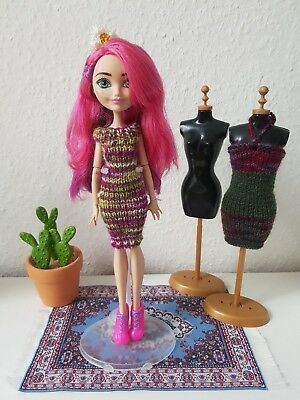 Kleid für Monster High, Ever After High o.ä., handgestrickt, unikat, lila/grün ()