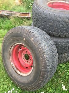 33x12.50x15 on 6 Bolt chev rims