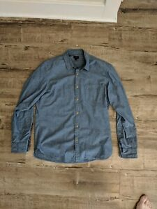 J.Crew Mens Chambray Button Down Size M