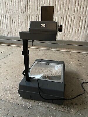 3M 2000 AG PORTABLE OVERHEAD PROJECTOR _ Light Bulb needs to be replaced