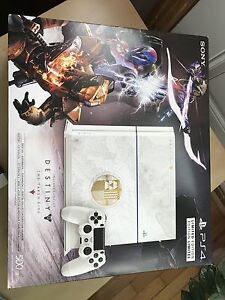 PlayStation 4 + 20th anniversary Controller