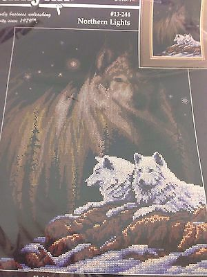 Northern Lights Wolves Counted Cross Stitch Kit 13-244 1997 Janlynn