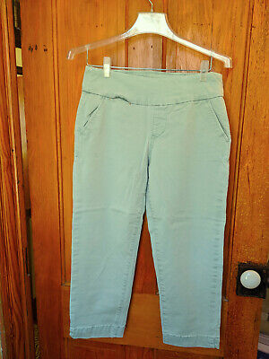 Jag Jeans cropped pull-on pants in pale green, size 8, excellent condition Pale Green Pants