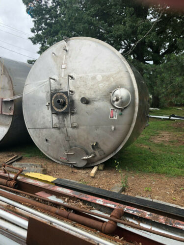 Stainless Steel Jacketed 5000 Gallon Tank With Mixer,Surface Scraper, Motor Used