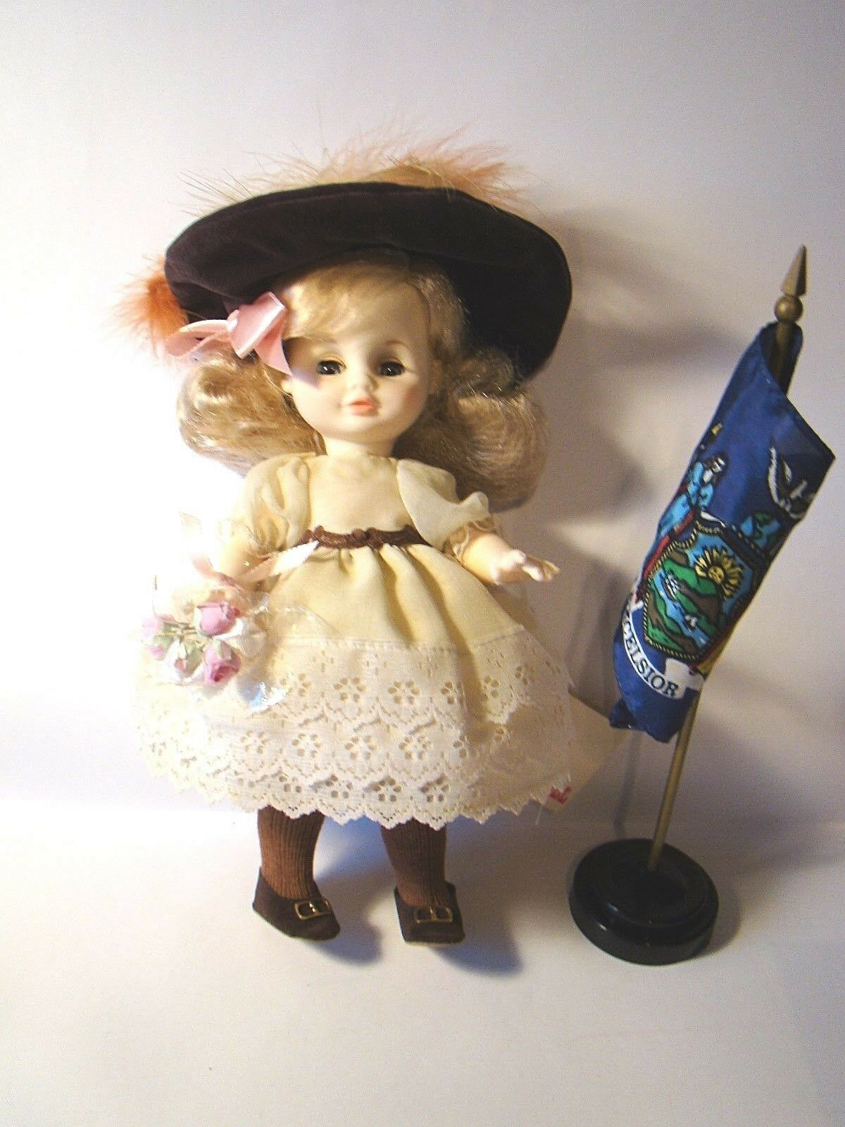 New York 1121 Royal House Dolls Mary Jane Growing Up In The U.S.A. Brooklyn - $12.00