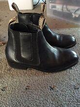 Thomas Cook boots (Uni sex) Nar Nar Goon North Cardinia Area Preview