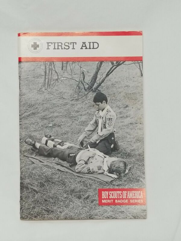 1981 Boy Scouts of America BSA Merit Badge Series FIRST AID