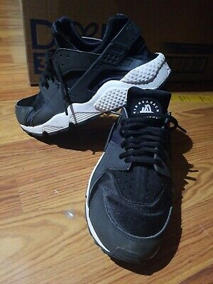 Nike Womens Air Huarache Athletic Shoes Size 9