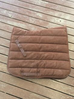 Suede dressage saddle pad full size